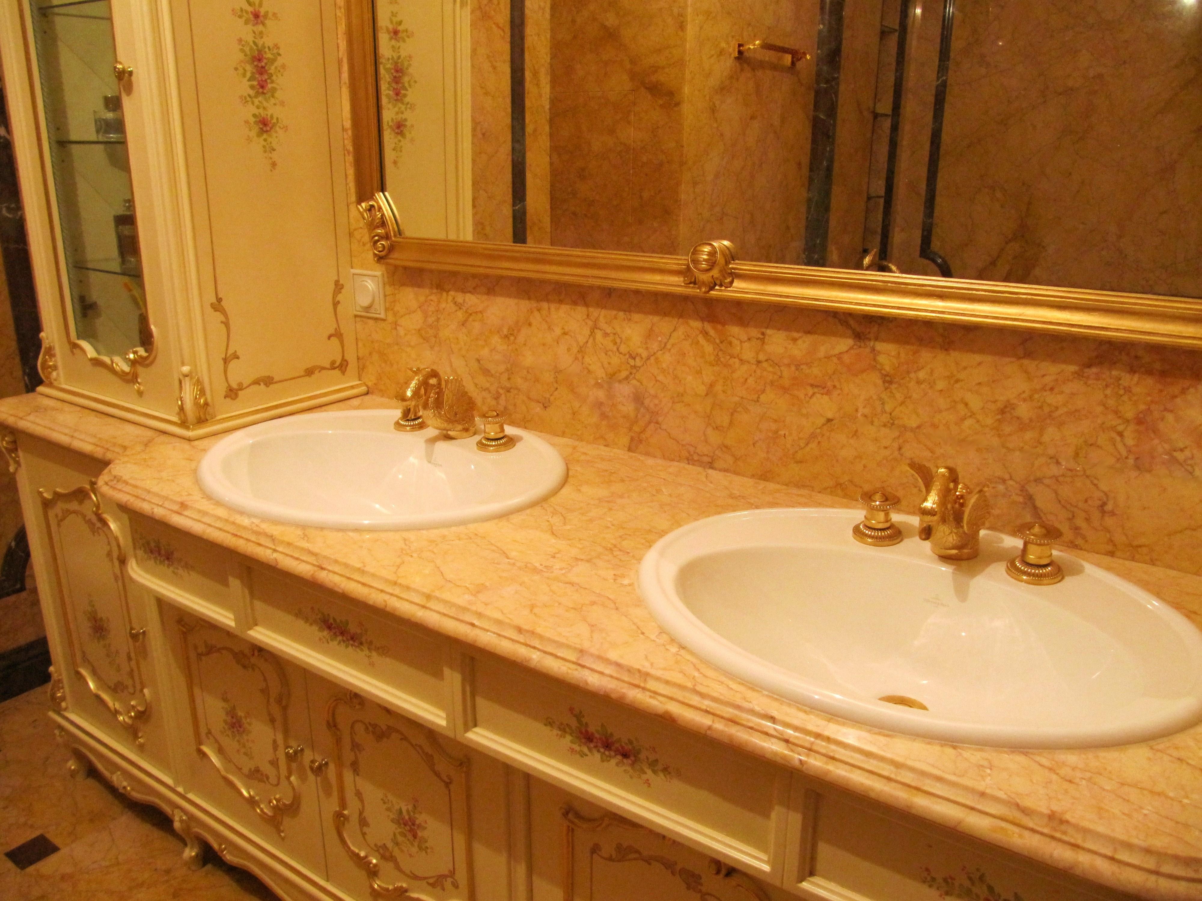 Столешница в ванной комнате из мрамора пластиковая столешница уход